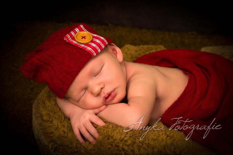 400e newborn baby fotoshoot bij fotostudio Anyka in Antwerpen