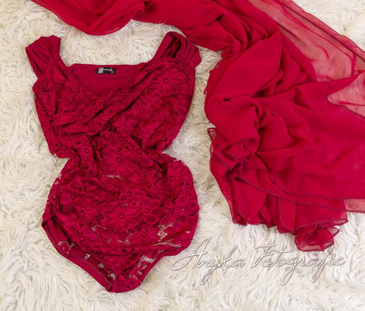 Bordeaux rode body en rok voor zwangerschapsfotografie IMG_0860