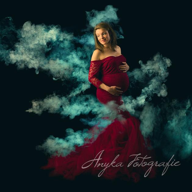 Zwangerschapsfoto waarbij we gebruik maakten van gekleurde rook