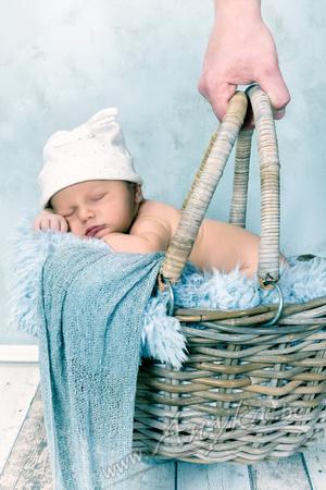 Baby in vintage kleuren